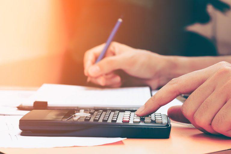 Uždarųjų akcinių bendrovių apskaita